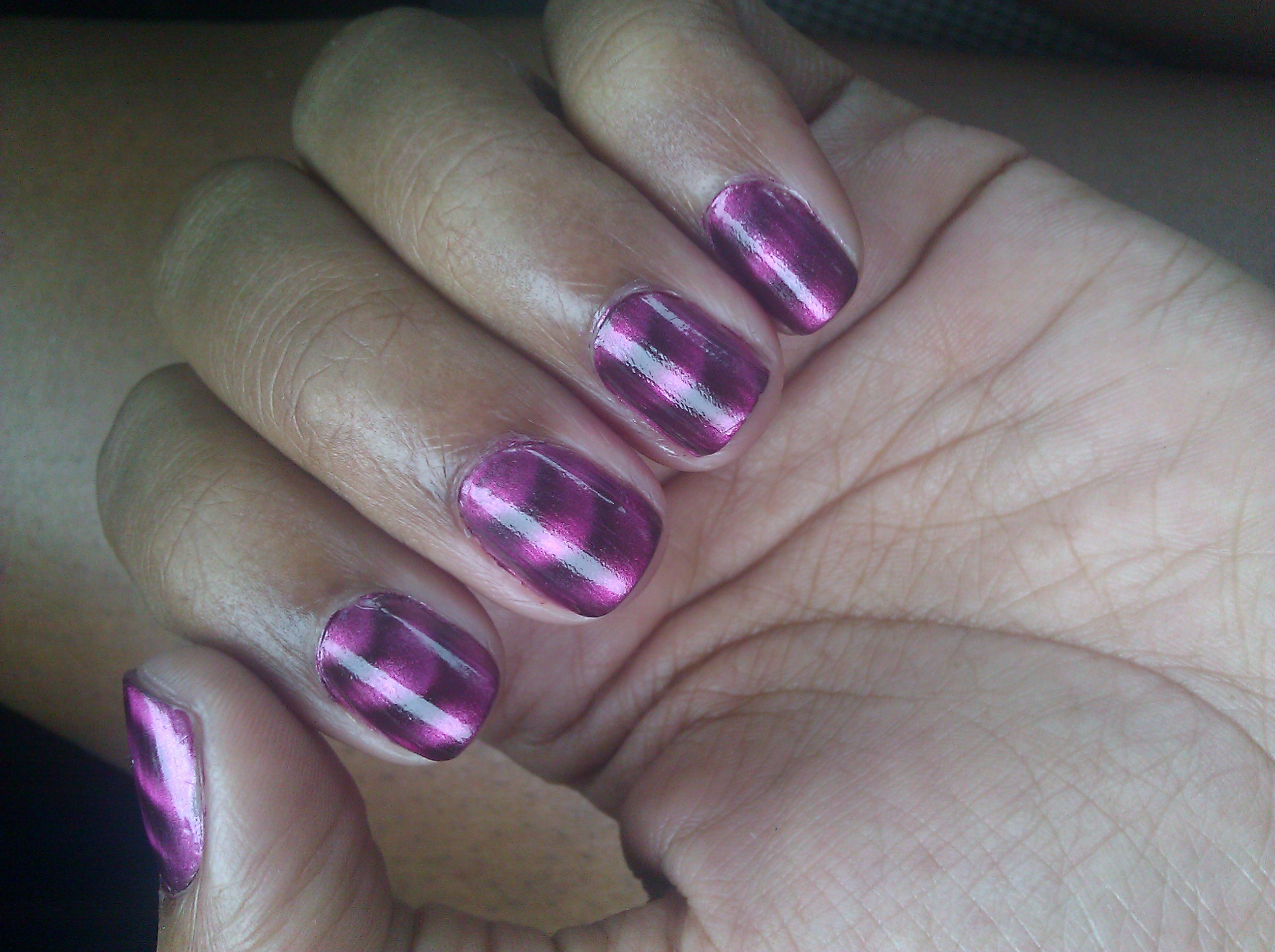 Sally Hansen Magnetic Nail Color Review | The Savvy Housewife