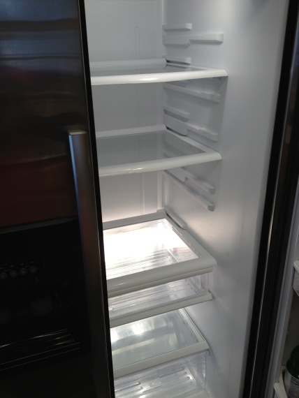 Cleaned fridge before.